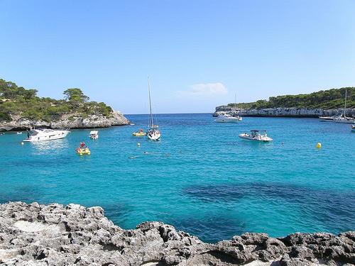 El 60% de los turistas que llegan a España reservaron por internet