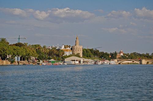 Vista de Sevilla desde el Guadalquivir